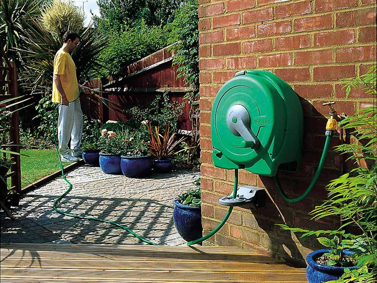 Top 5 Best Hose Reels – A Buyer's Guide